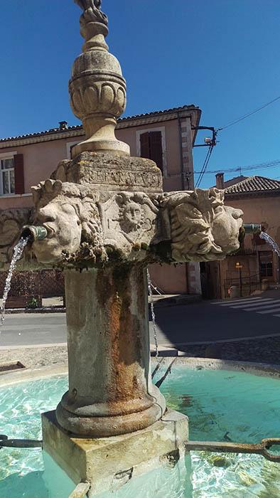 Détail de fontaine