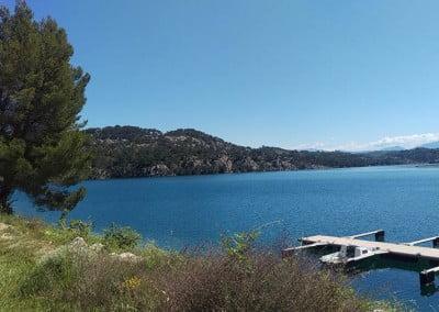 Ponton sur le lac d'Esparron