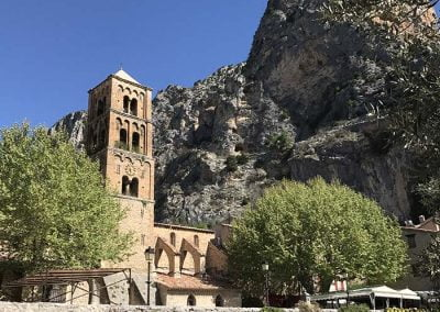Eglise paroissiale de Moustiers
