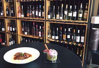 Restaurant bar à vin, à Gréoux