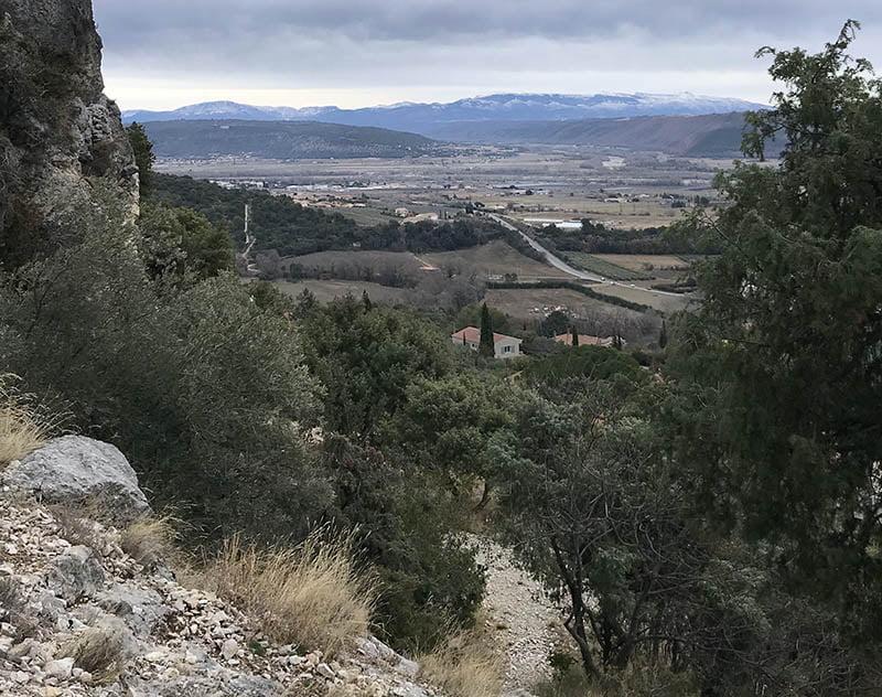 Volx, village typique provençal, à 21 km de Gréoux
