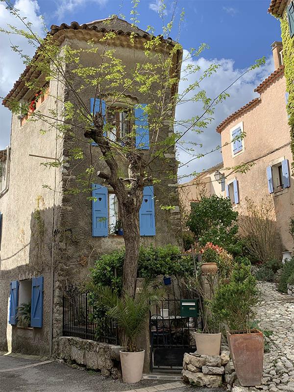 Village de Saint-Julien de Montagnier